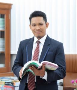 Kepala SMP Al Azhar Syifa Budi Cibinong
